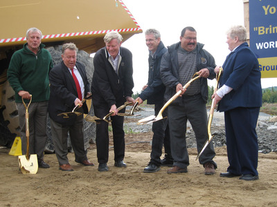 Left to right: MPP David Ramsay, MPP Michael Gravelle, Northgate president & CEO Ken Stowe, MP Charlie Angus, Chief Richard Wincikaby, Reeve Beverley Hine. (CNW Group/Northgate Minerals Corporation)