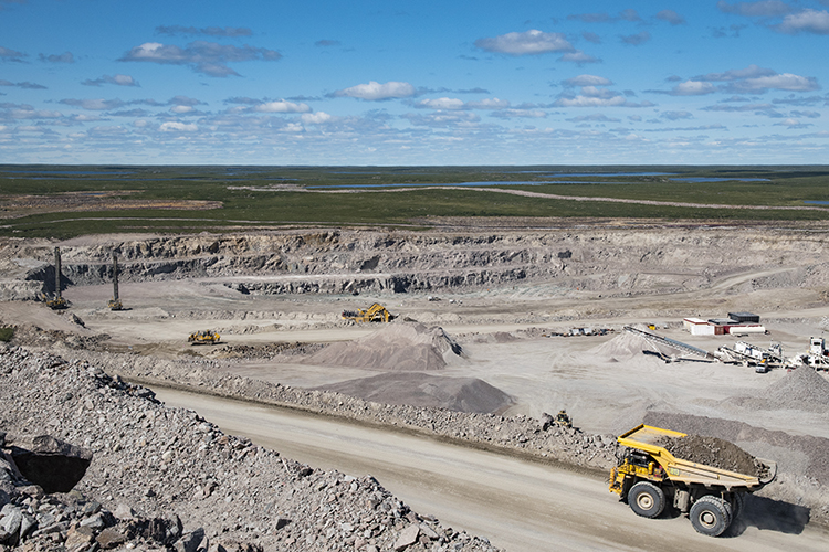 Mining at the Hearne pit at the Gahcho Kue diamond mine in the Northwest Territories. Credit: Mountain Province Diamonds