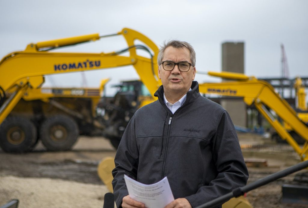 Jeff Dawes, CEO of Komatsu Mining, at groundbreaking Credit: Komatsu